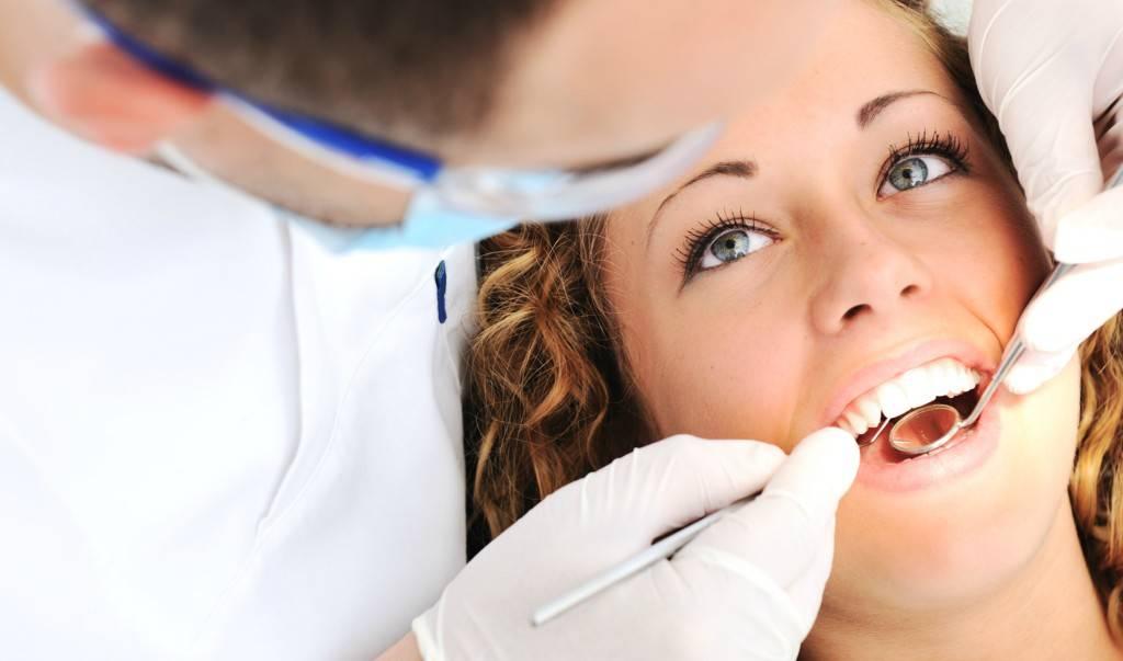 Clínica dental primera visita gratuita Valencia - Clínica con años de experiencia