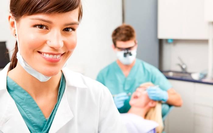 Dentista primera visita gratuita Valencia y Malilla